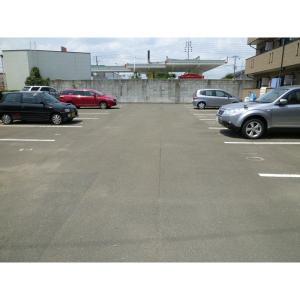 パインコートⅢ 物件写真4 駐車場