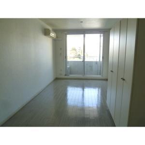 アーバングリッド 部屋写真1 居室・リビング