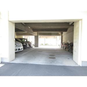 芳栄レジデンス 物件写真3 駐車場