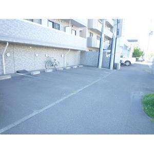 札幌市北区北二十三条西7丁目 マンション 物件写真3 駐車場