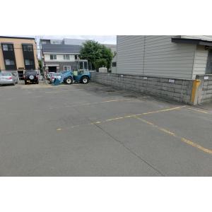 タカオカビル 物件写真2 駐車場
