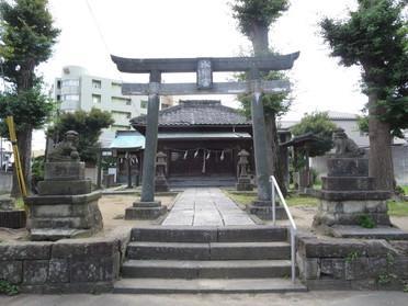 鳥居と拝殿です♪