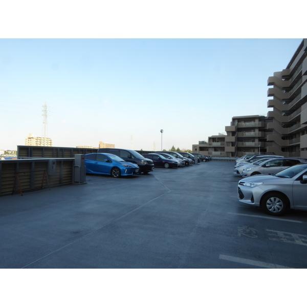 エルフォレスト ガーデンウィング 物件写真5 駐車場