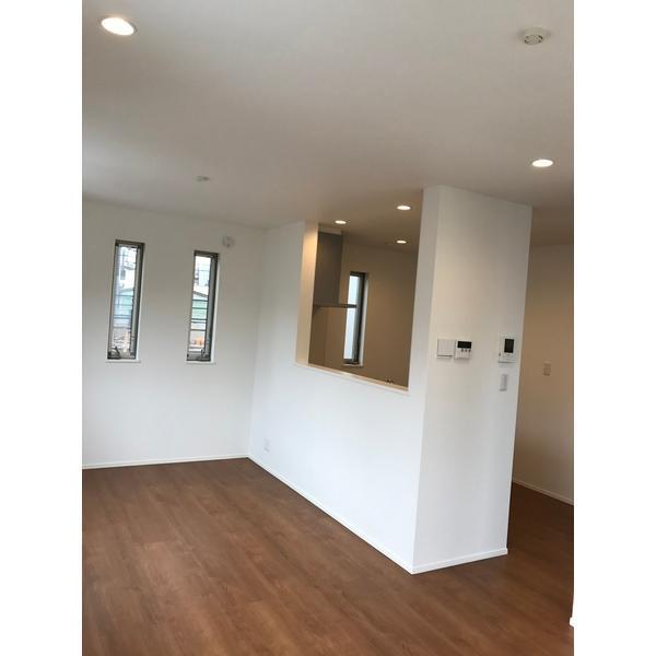 足立区北千住東1丁目戸建 部屋写真2 居室・リビング