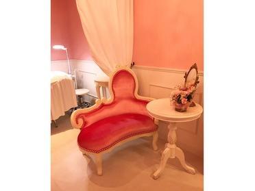 可愛いピンクのサロン