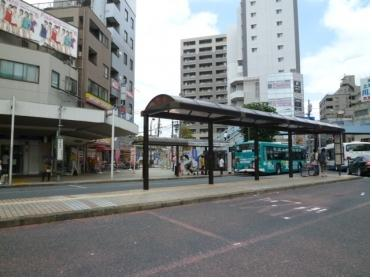 南口ロータリーのバス停留所