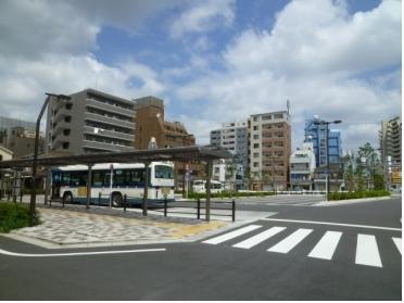 新小岩駅東北広場のバス停留所