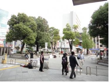 行徳駅前の広場です